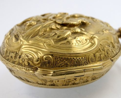 Glasgow gold repousse pair cased verge