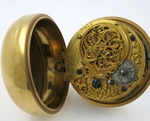 Gold repousse verge