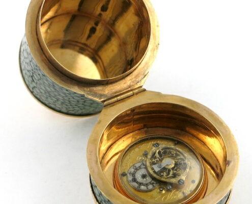 Gold & shagreen cased verge